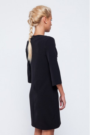 Платье черного цвета с орнаментом и кружевом