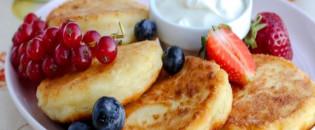 Традиційний ураїнський десерт. 5 незвичних рецептів сирників