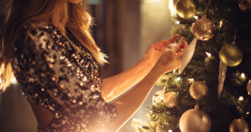 У чому зустрічати Новий рік 2020: варіанти святкових суконь від ЕТНОХАТА для сяючого образу