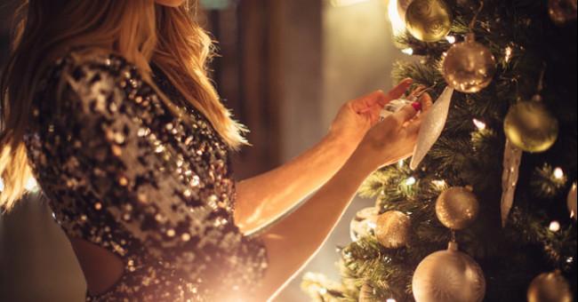 У чому зустрічати Новий рік 2020: варіанти святкових суконь від ЕТНОХАТА для сяючого образу>