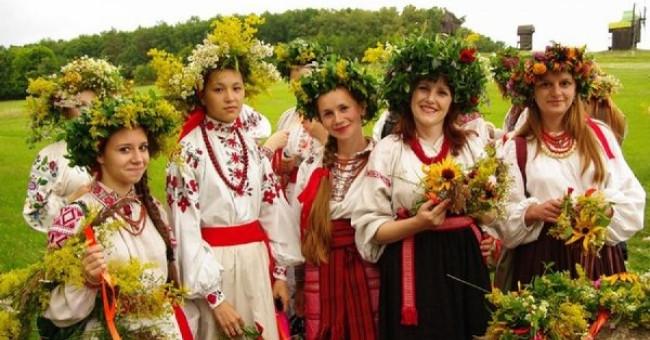 Роль свят в світогляді та річному циклі українців>