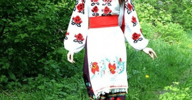 Український народний одяг - результат творчості багатьох поколінь>