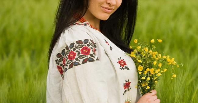 Символічність кольорів в українській вишивці>