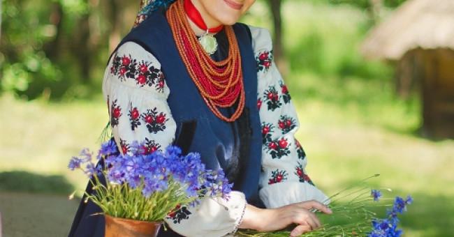 Українські вишиванки>