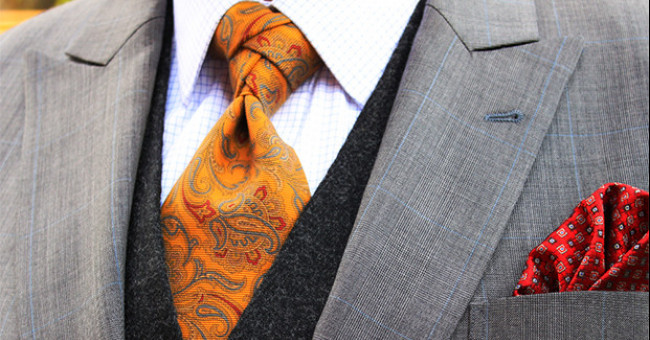 Зав'язуємо краватку правильно: покрокова інструкція з фото>