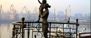 30 українських пам'ятників, котрі вас здивують