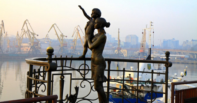 30 українських пам'ятників, котрі вас здивують>
