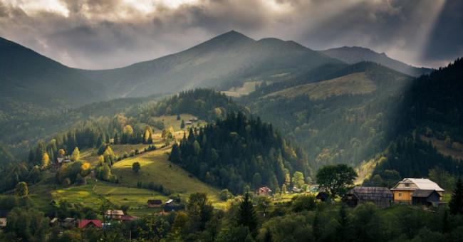 Навколосвітня подорож Україною, або 16 місць, які неодмінно варто відвідати>