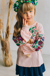 Вышиванка для девочки «Кристинка» розового цвета