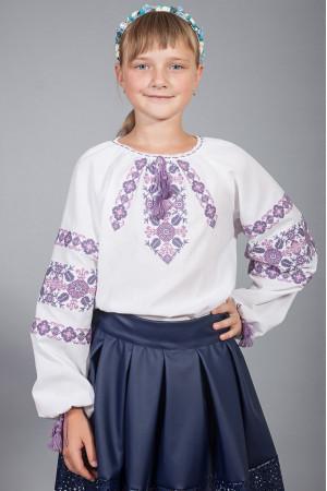 Вышиванка для девочки «Галочка» белого цвета с фиолетовым орнаментом