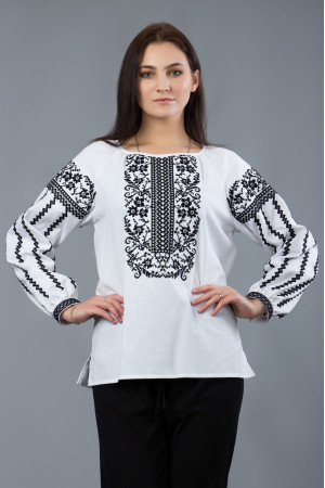 Вышиванка «Домна» белого цвета