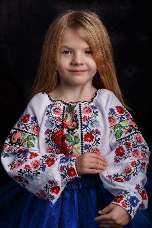Вышиванка для девочки «Василина» белого цвета