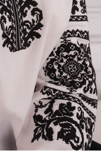 Вышиванка «Олеся» белого цвета
