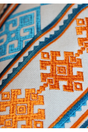 """Вышиванка """"Низинка"""" с оранжевым орнаментом"""
