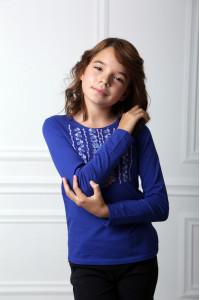 Футболка для дівчинки «Ромашкова геометрія» синього кольору