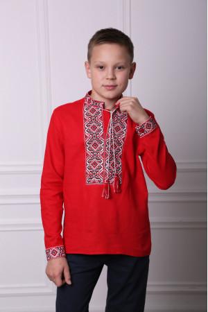 Вышиванка для мальчика «Лабиринт» красного цвета