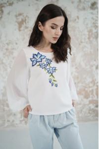 Вышиванка «Цветочная заря» белого цвета
