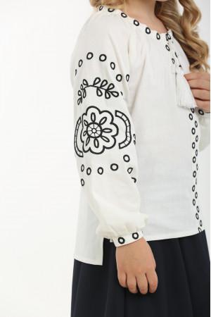 Вышиванка для девочки «Кружевные сны» белая с черным орнаментом