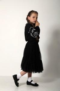 Вышиванка для девочки «Кружевные сны» черная с белым орнаментом