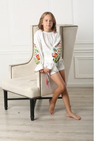 Вышитый комбинезон для девочки «Сказочный» белого цвета
