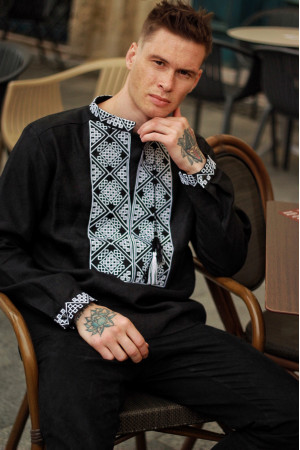 Мужская вышиванка «Атаман» черная с белым орнаментом