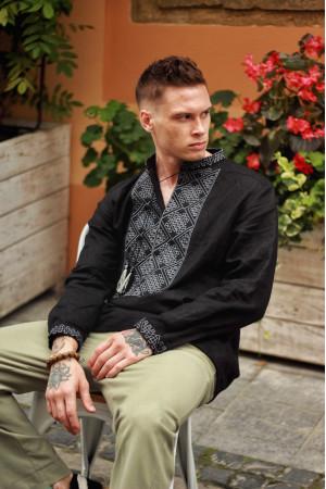 Мужская вышиванка «Атаман» черная с серым орнаментом