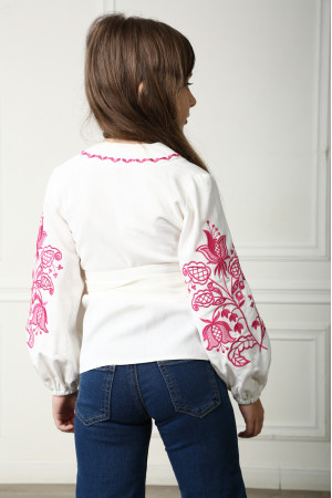 Вышиванка для девочки «Летний цвет» белого цвета