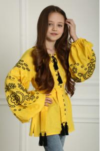 Вышиванка для девочки «Кружевные сны» желтого цвета