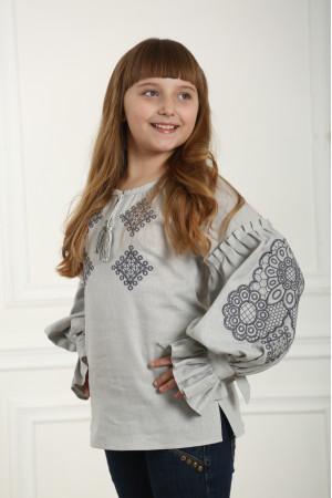 Вишиванка для дівчинки «Тенета ніжності» сірого кольору