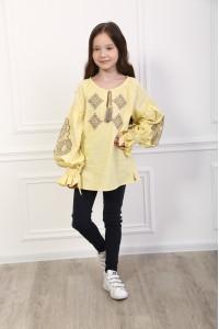 Вышиванка для девочки «Тенёта нежности» желтого цвета