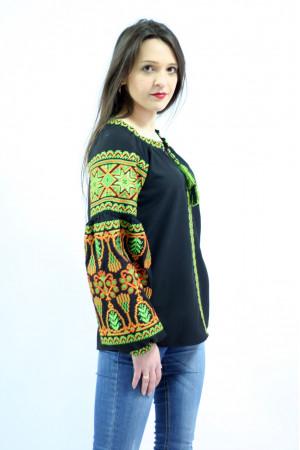 Вишиванка «Розкіш» з зеленим орнаментом