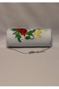 Вышитый клатч «Украинское очарование» белого цвета