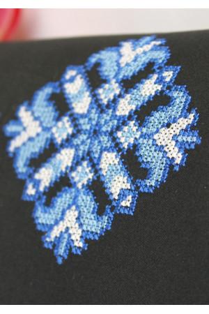 Вышитый клатч «Мечта» с синим орнаментом