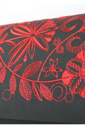 Вишитий клатч «Романтика» з червоними візерунками