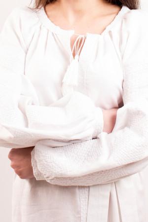 Платье «Цветочная фантазия» с белой вышивкой, длинное