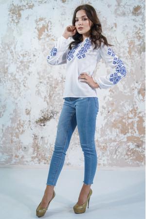 Вишиванка «Мрія» білого кольору з блакитною вишивкою