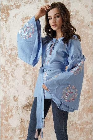 Вышиванка «Рассветные росы» голубого цвета