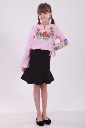Вышиванка для девочки «Звонкий букет» розового цвета