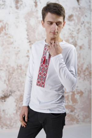 Футболка «Лабиринт-2» белого цвета с красной вышивкой, ДР