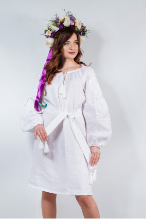 Платье «Очарование» белого цвета с белой вышивкой