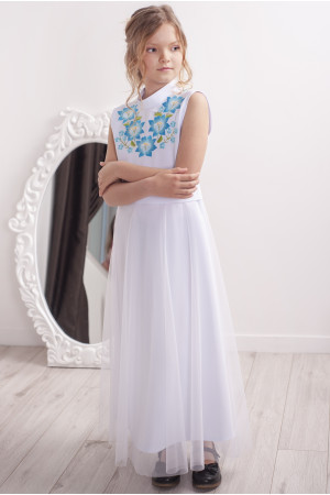 Сукня для дівчинки «Квіткова гармонія» білого кольору з блакитною вишивкою