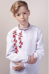 Вышиванка для мальчика «Цветочный дуэт» белого цвета