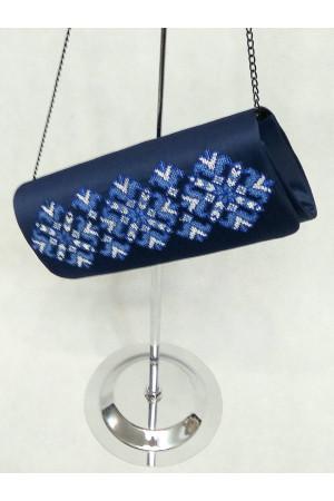Вышитый клатч «Мечта» синего цвета на синем