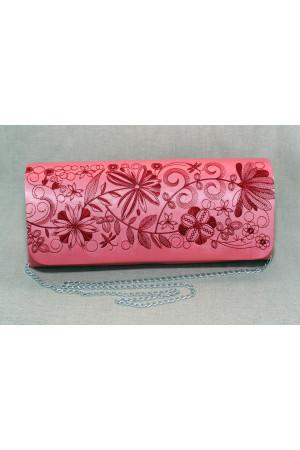 Вишитий клатч «Романтика» рожевого кольору з вишневим