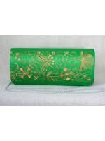 Вишитий клатч «Романтика» зеленого кольору з золотим