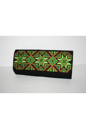 Вышитый клатч «Роскошь» черного цвета с зеленым