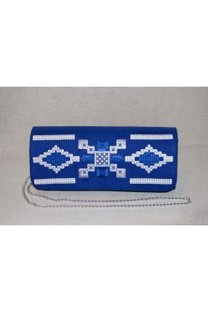 Вышитый клатч «Грация» синего цвета