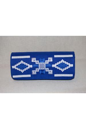 Вишитий клатч «Грація» синього кольору