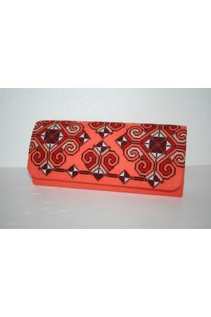 Вишитий клатч «Елегія» персикового кольору