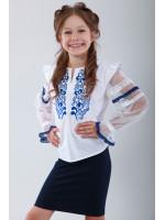 Вишиванка для дівчинки «Захоплююча мить» з блакитною вишивкою